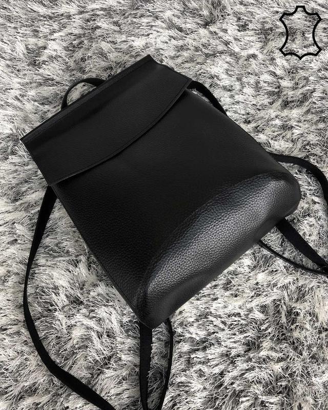 Кожаная сумка рюкзак молодежный черного цвета - Фото 3