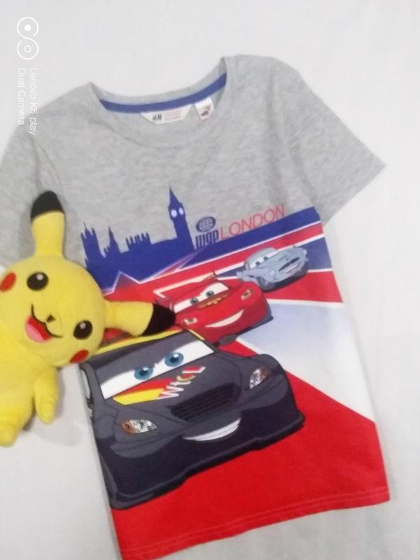 Супер классная футболочка мальчику -тачки-122-130- h&m-в идеале.