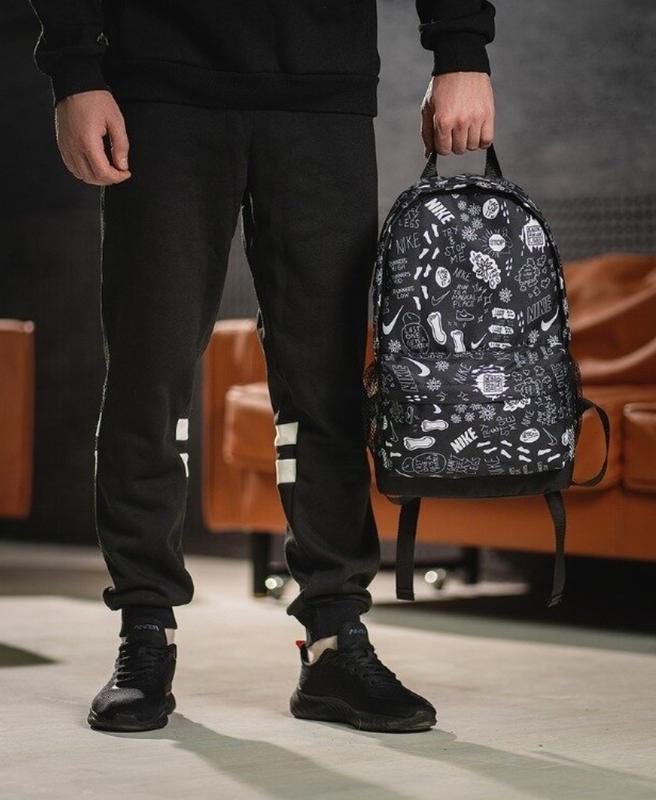 Стильный черно-белый молодежный городской рюкзак - Фото 2