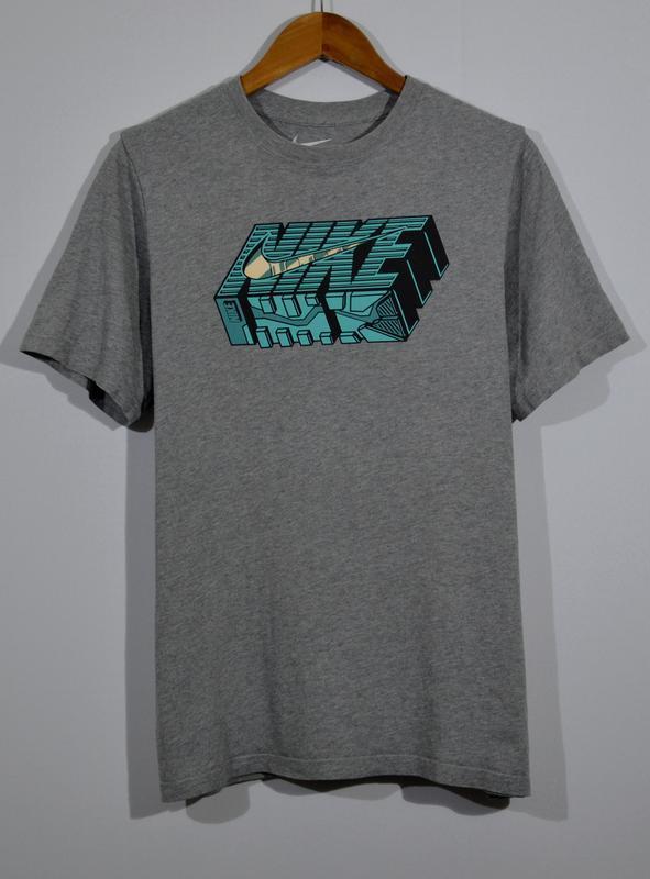 Крутая футболка nike vintage c's t-shirt