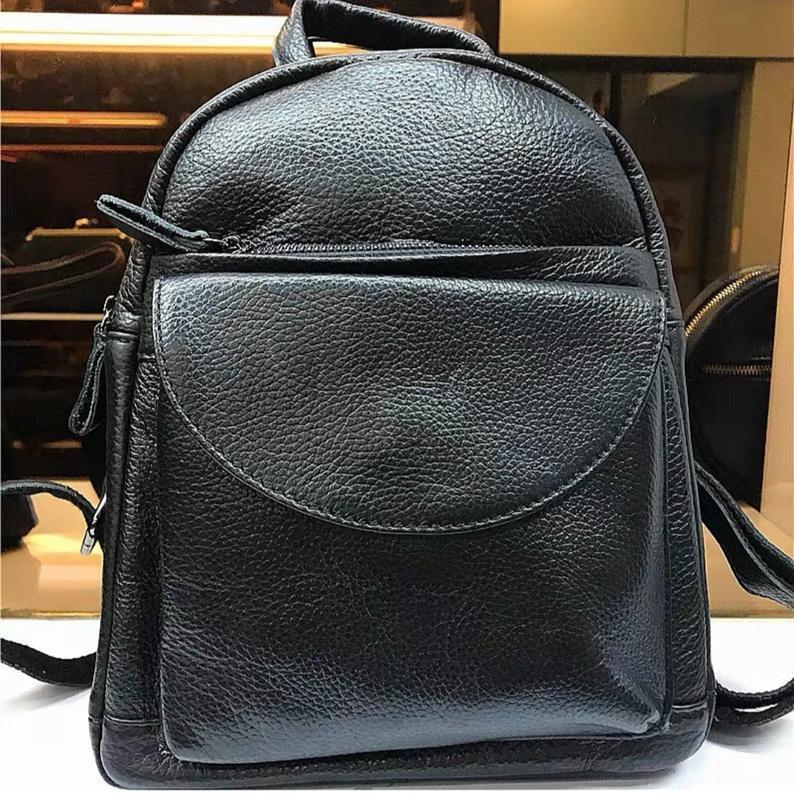 Кожаный рюкзак черный небольшого размера