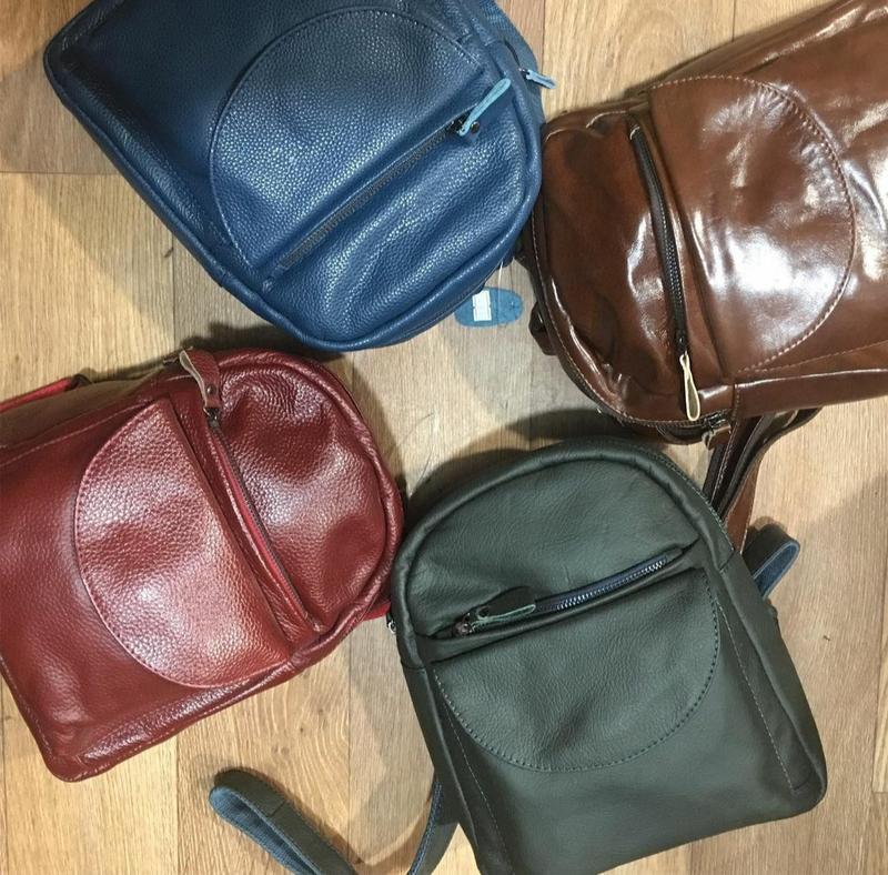Кожаный рюкзак черный небольшого размера - Фото 4