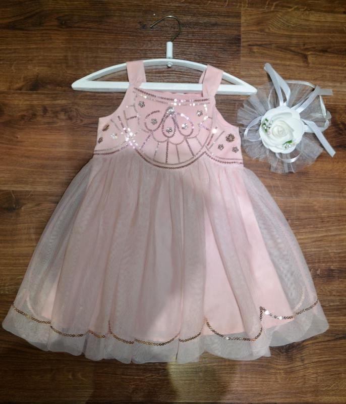 Нарядное платье на девочку 3-4 лет