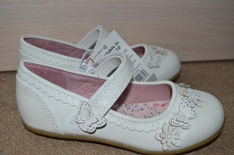 Новые туфли  на девочку 18 см