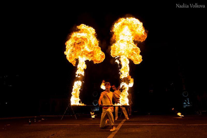 Вогняне шоу (fire show) на весілля, освідчення в коханні