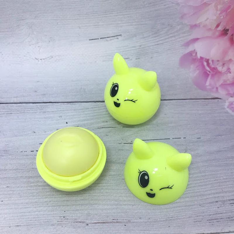 Веселенький бальзам-шарик для губ,желтый к.4016