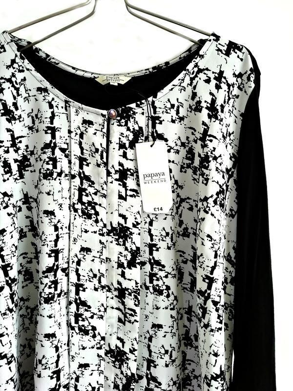 Стильная удлиненная блуза из комбинированной ткани р.18