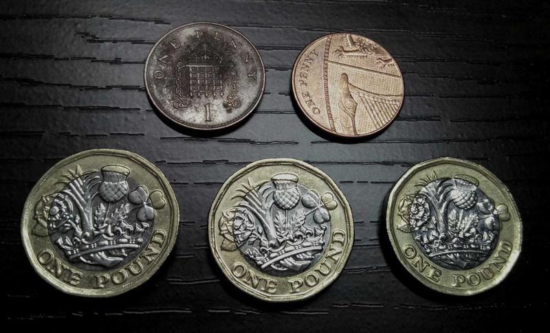 Монеты Великобритания США ОАЭ Словения. Нумизматика.