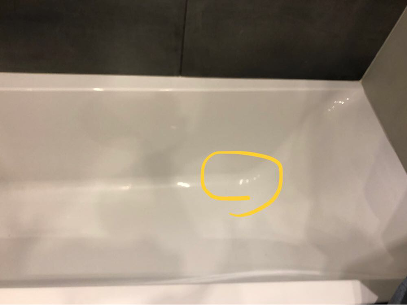 Заделать щель в акриловой ванной