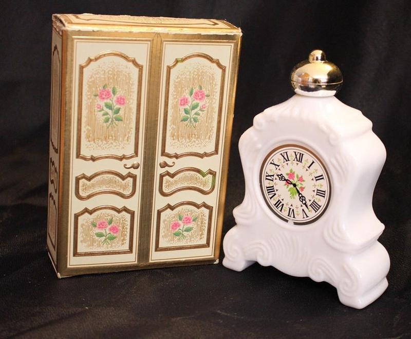 Винтажный флакон из под духов avon leisure hours + подарок