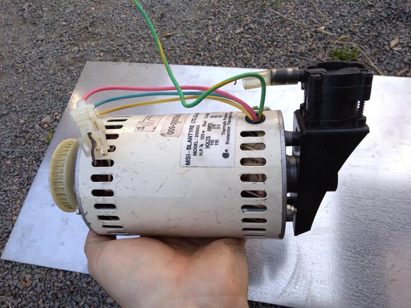 Электродвигатель с вакуумным насосом