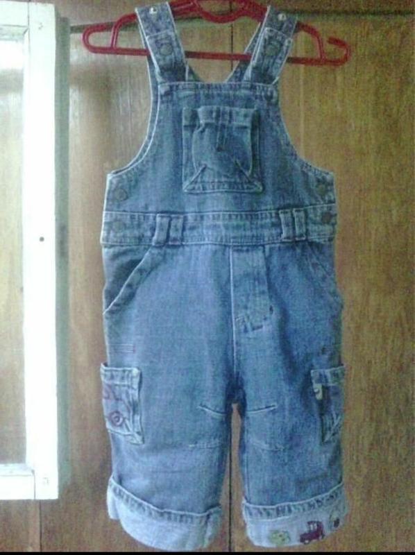 Синий джинсовый комбинезон 6-12 м.