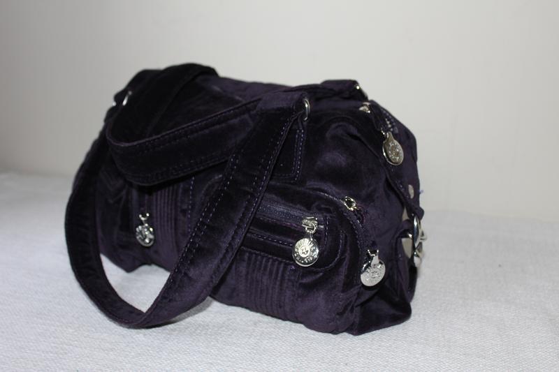 Бархатная сумка kipling + маленькая сумочка.