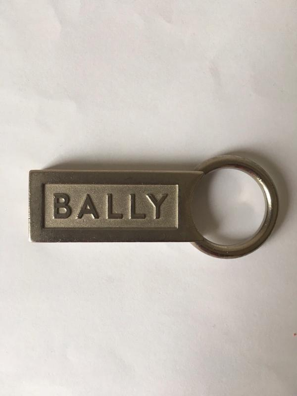Металлический брелок Bally. Оригинал!