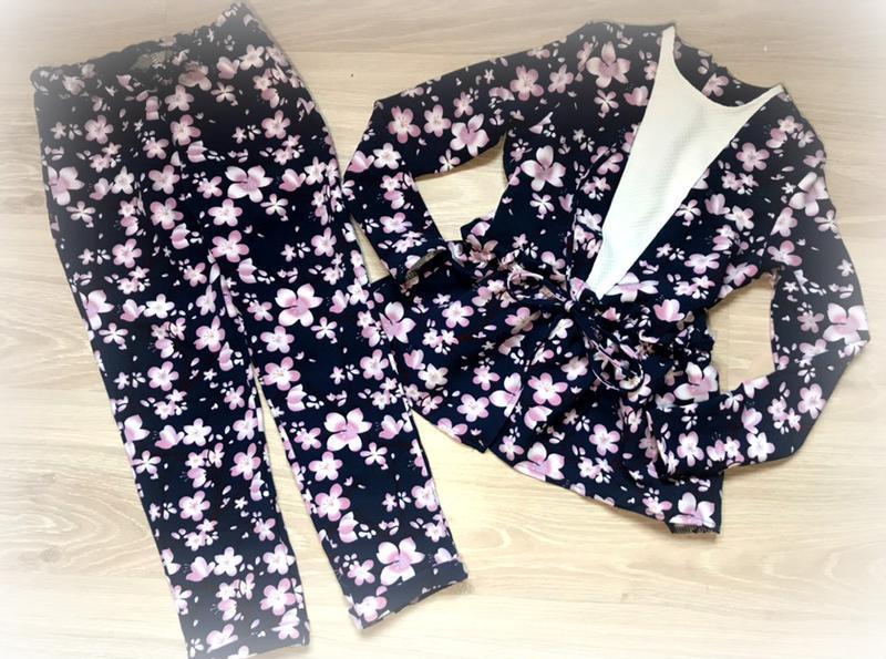 Костюмчи цветочный для модницы