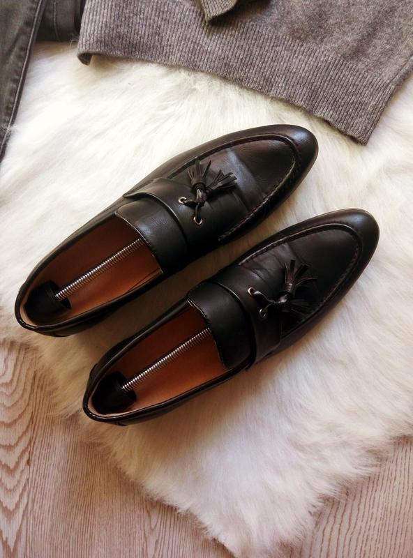 Черные кожаные мужские туфли на каблуке с кисточками висюлькам...