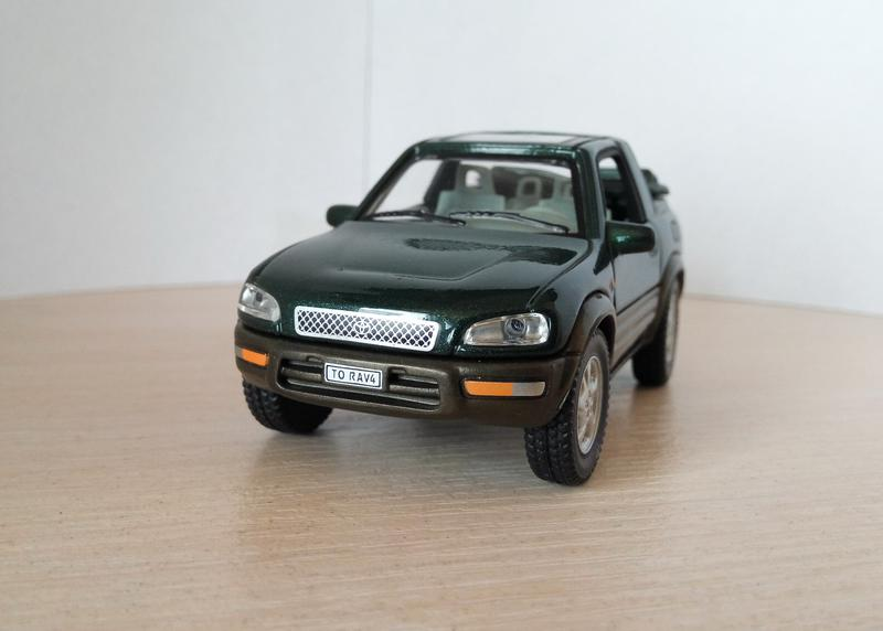 модель Toyota RAV4, Cararama/Hongwell масштаб 1:43