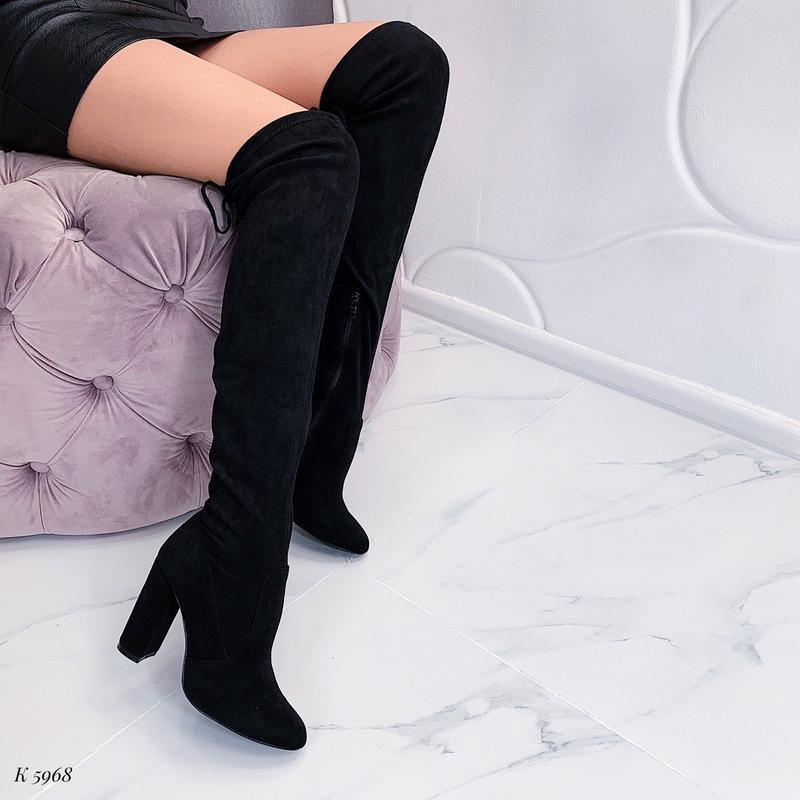 Шикарные сапоги ботфорты на каблуке,чёрные демисезонные высоки...