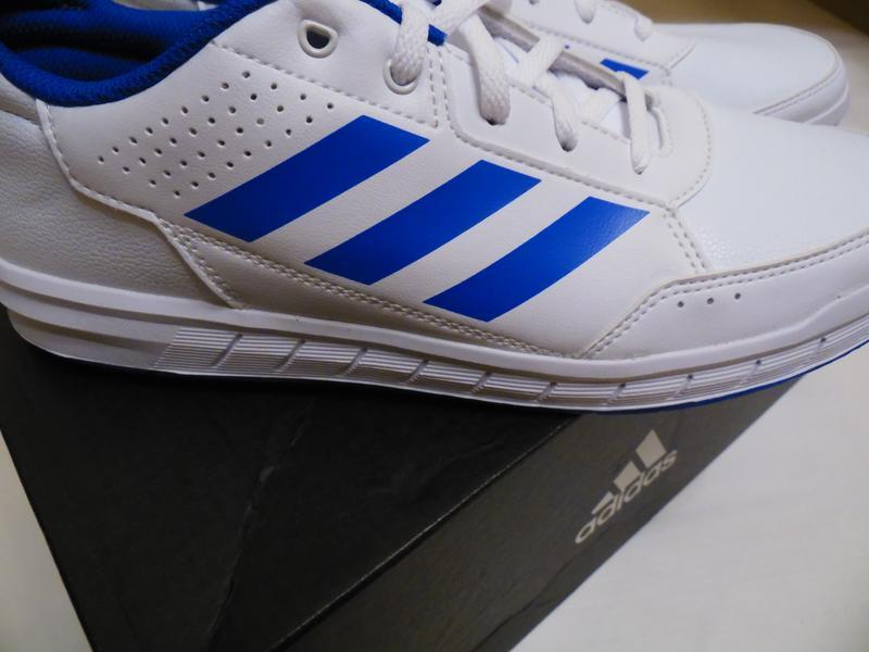 Кроссовки adidas оригинал размер 40