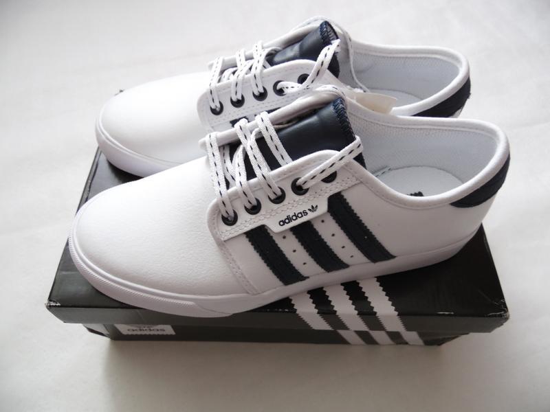Кроссовки adidas оригинал 38.5 eur