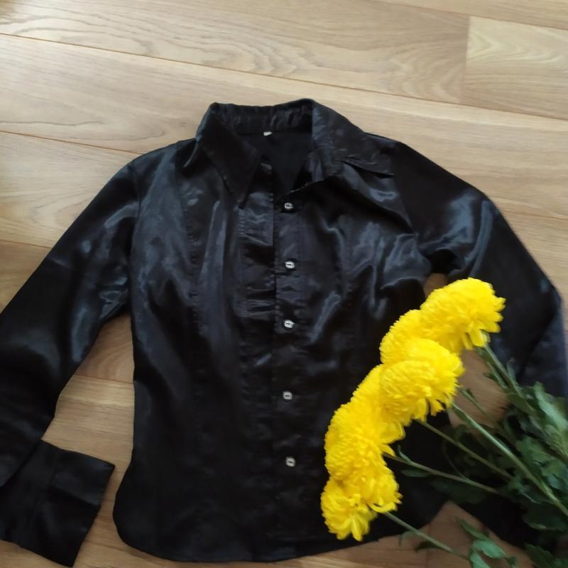 Рубашка атласная базовая черная 38й размер