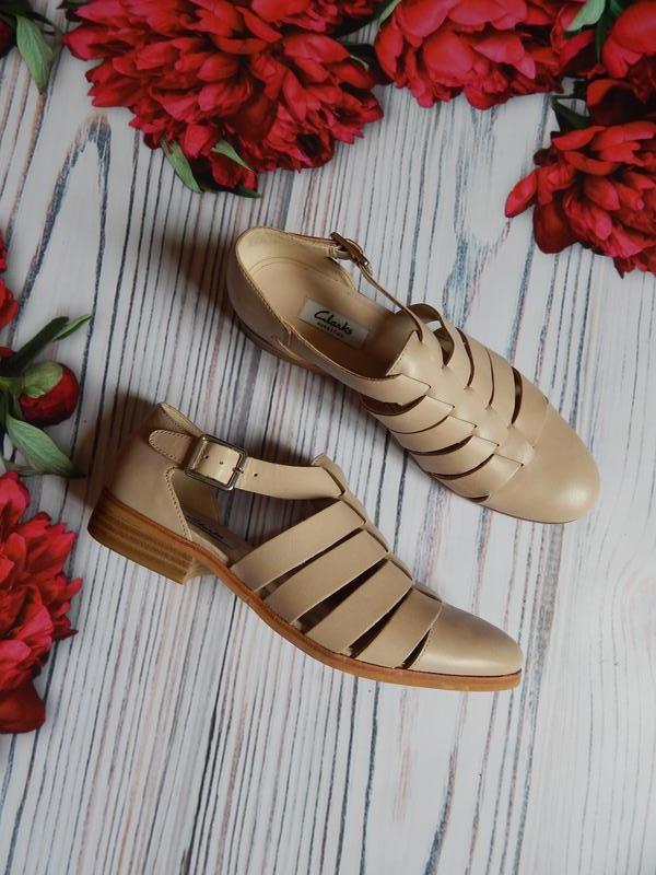 🌿удобные,  стильные туфли от clarks оригинал.  размер по бирке...