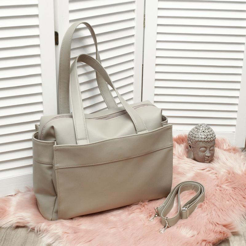 Большая вместительная сумка, спортивная, светло серый кожзам