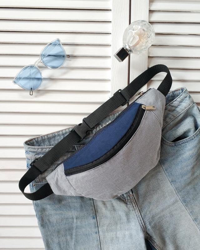 Бананка, сумка на пояс, светло голубой текстиль в полоску