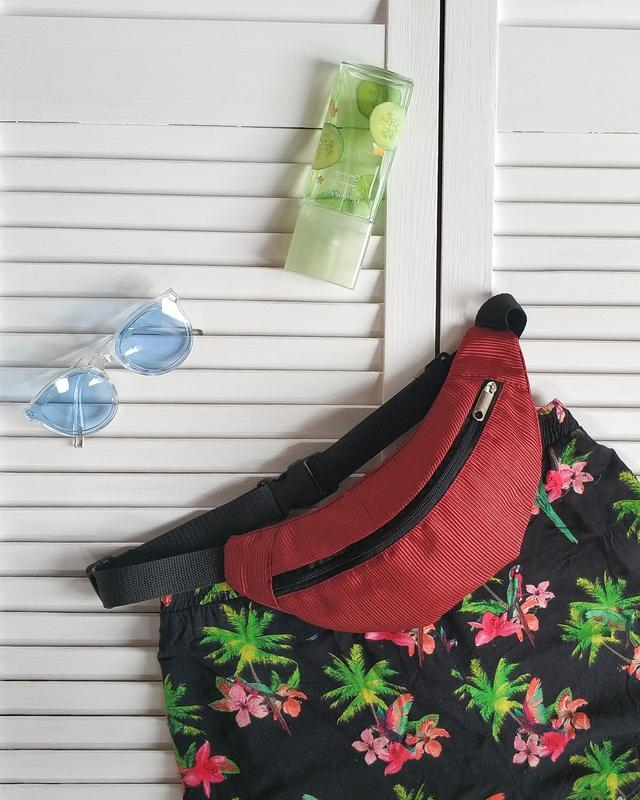 Бананка, сумка на пояс текстильная, красная, алая.