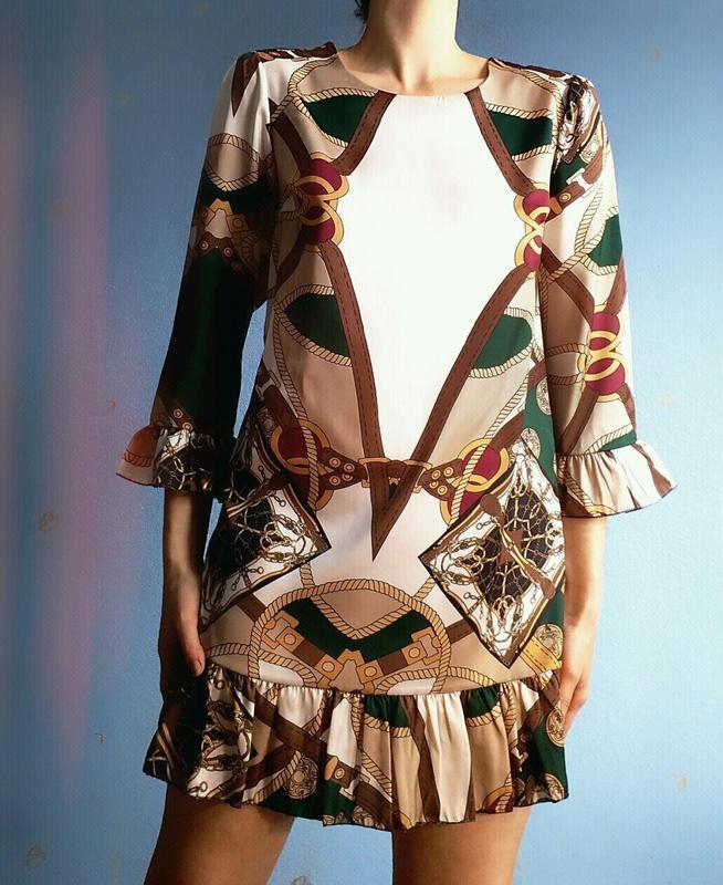 Платье прямого кроя с воланами бренд charget италия