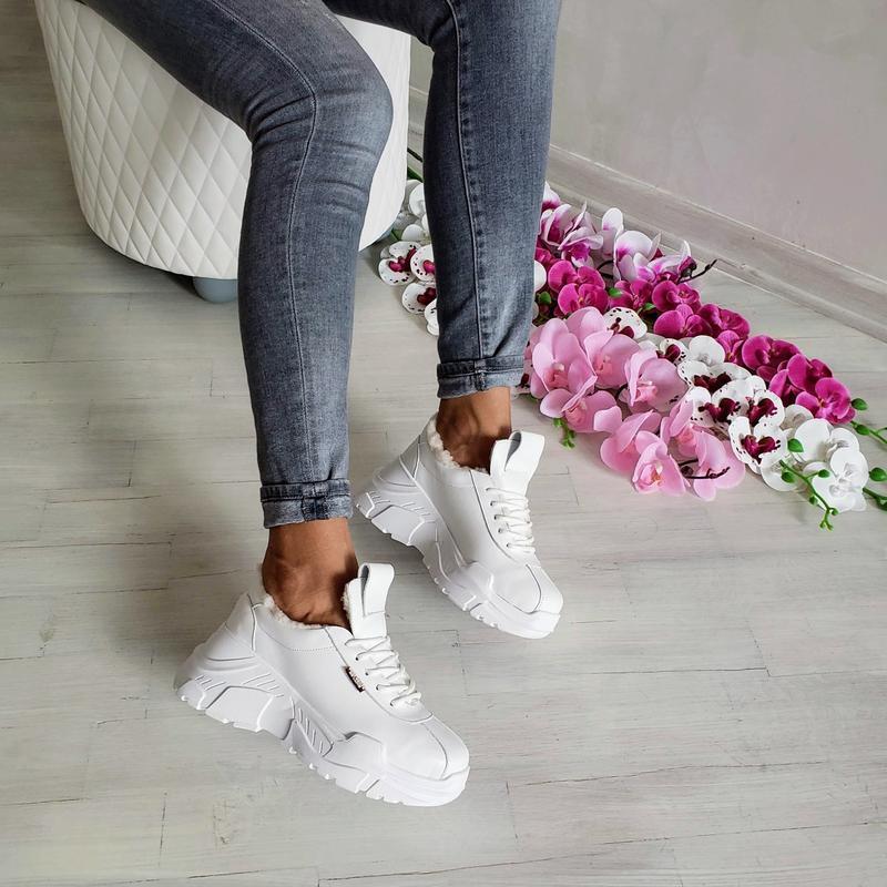 Натур кожа зимние кроссовки на меху / деми / белые
