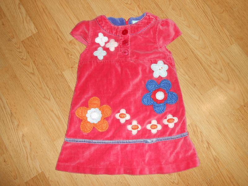 Платье на девочку 3-4 года    uttam  kids