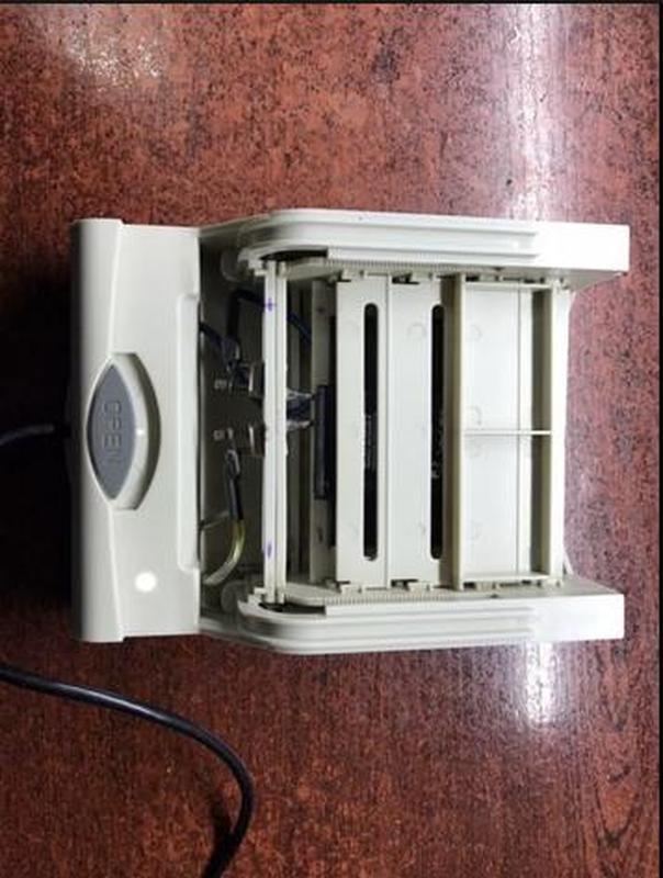 Аналізатор для тестування акумуляторів від телефонів