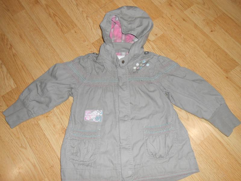 Куртка-ветровка на девочку 3-4 года
