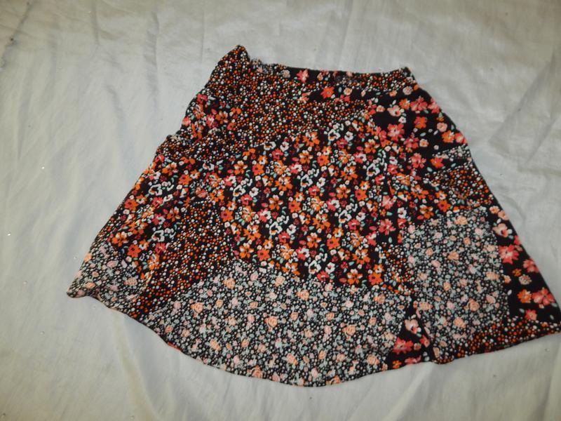 F&f юбка вискозная в цветах стильная модная р6