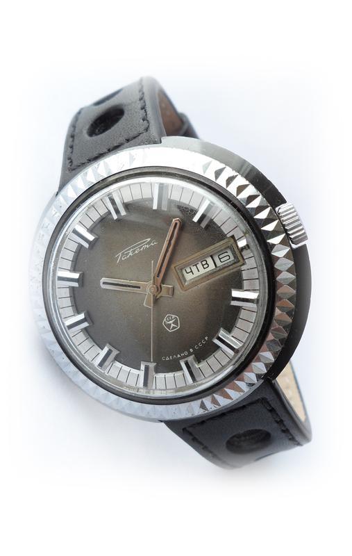 РАКЕТА_ЧЁРНЫЙ ХРОМ, сделано СССР 70-х. большие мужские часы механ