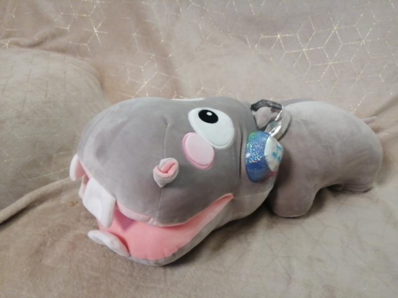 Мягкая игрушка/подушка+плед  бегемотик в наушниках