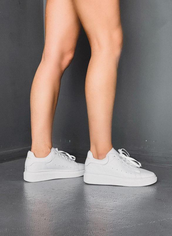 Крутые женские кроссовки alexander mcqueen full white 😍