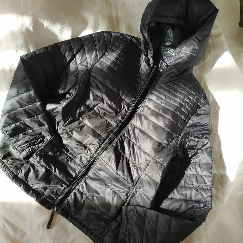 Курточка с капюшоном лёгкая стеганая