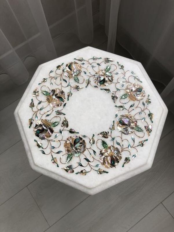 Мраморный столик с полудрагоценными камнями. Ручная работа 30х...