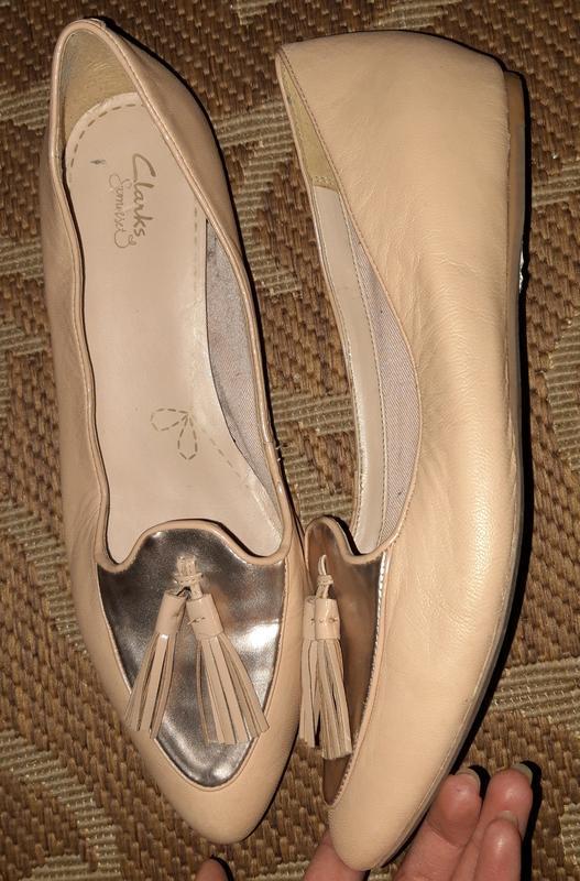 Стильні шкіряні балетки відомого бренду