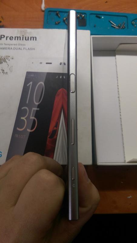 Телефон Sony XZ Premium