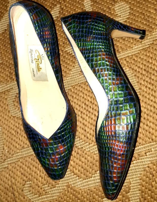 Стильні шкіряні туфлі італія renata
