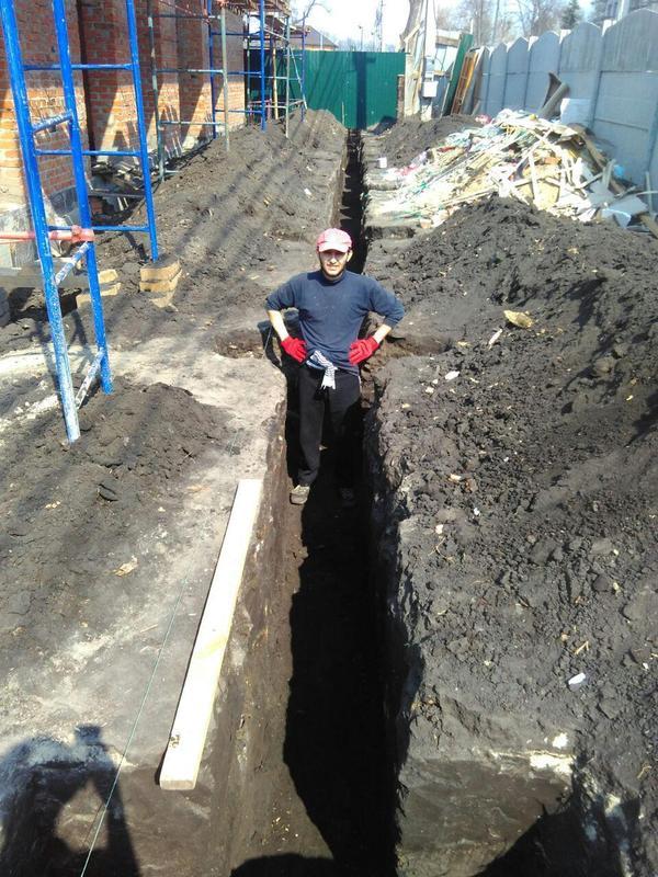 Копка ям,траншей,погребов,бассейнов.Копаем до 3.5 метра глубиной. - Фото 3