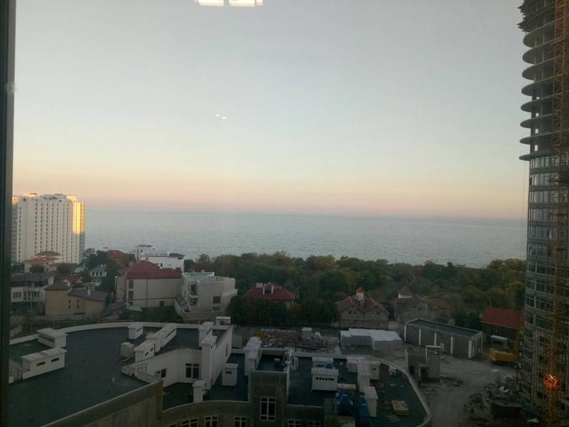 1 комнатная квартира-студия на Фонтане с видом на море.