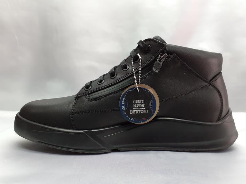 Зимние ботинки под кроссовки на молниях bertoni