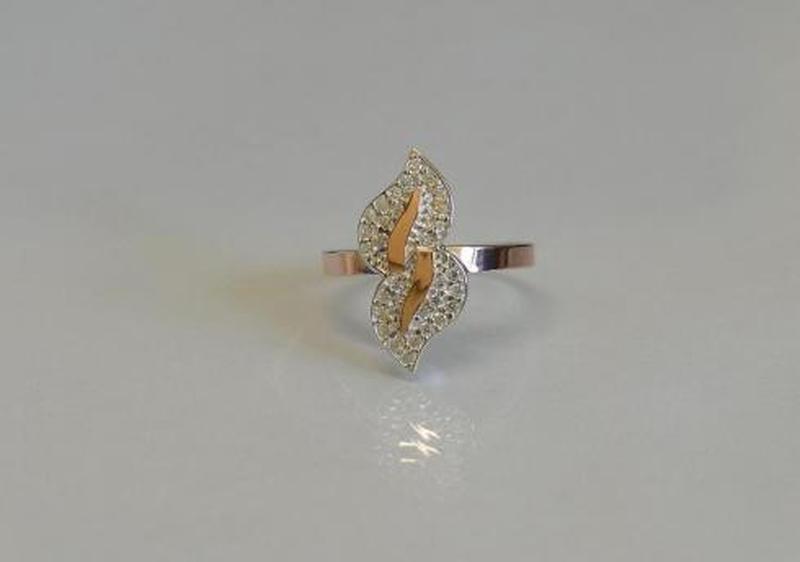 Лучшее Серебряное кольцо с золотыми пластинками и фианитами