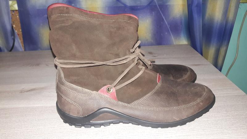Ecco - шкіряні чоботи, черевички, ботільйони.