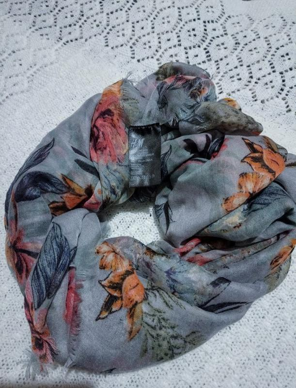 Симпатичная шаль,шарф. h&m.