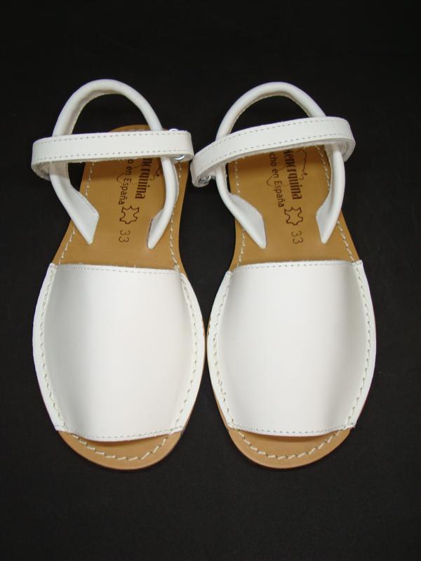 Босоножки кожаные для девочки menorquina испания